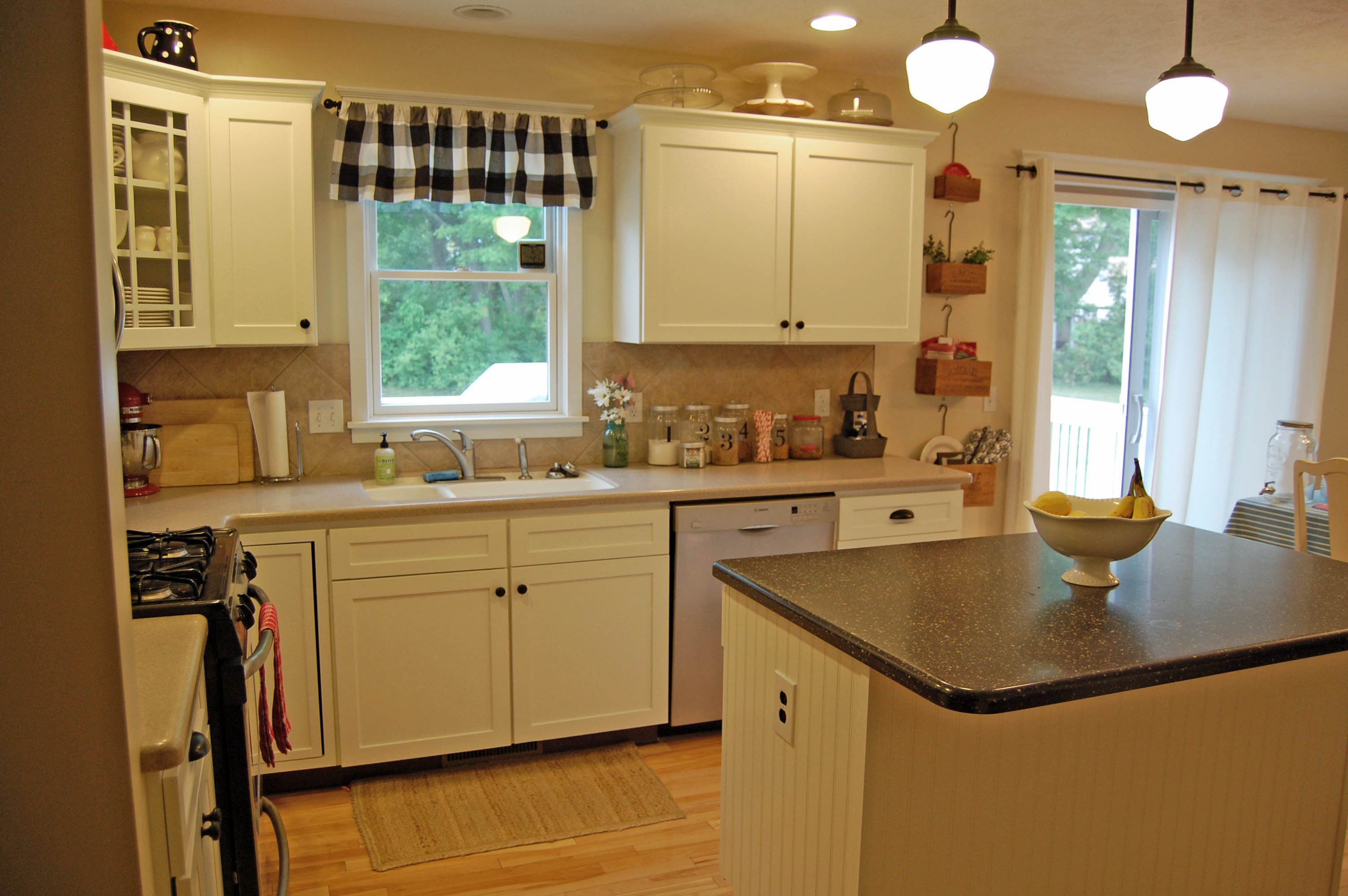 Kitchen cabinet makeover before and after the girl in for Kitchen cupboard makeover before and after